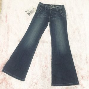 Chip & Pepper  A Lister Low Rise Flare Jeans 27